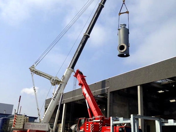 Montage demontage West Vlaanderen - Plaatsen Naverbrander 700 Ton Kraan