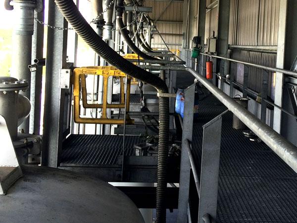 Staalconstructie West Vlaanderen - Trap met bordes rond filters